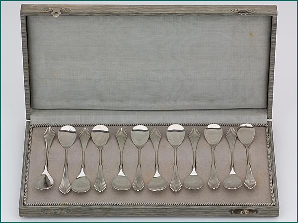 12 zilveren ijslepeltjes model waaier 1906-1924-0