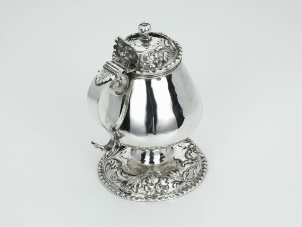 Zilveren mosterdpot uit 1711-0