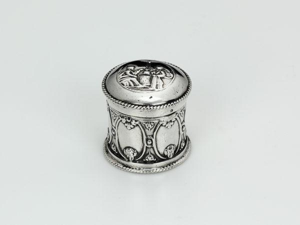 Zilveren loddereindoosje uit 1737-0
