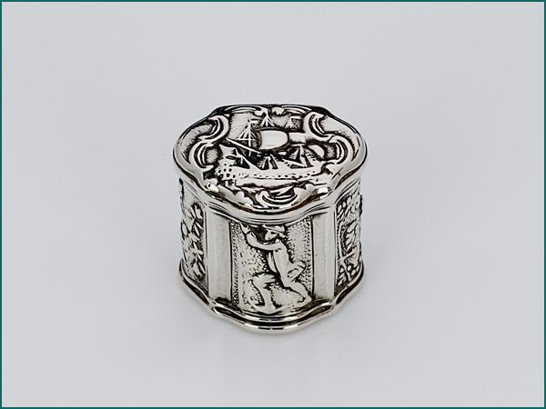 Zilveren loddereindoosje uit 1772-0