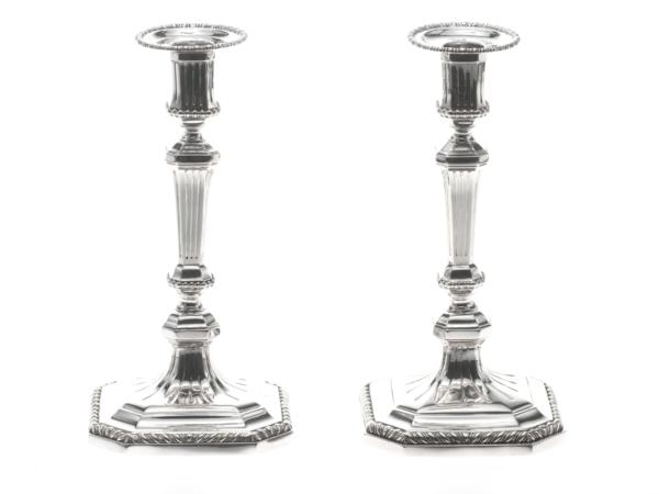 Stel zilveren kandelaars uit 1771-0